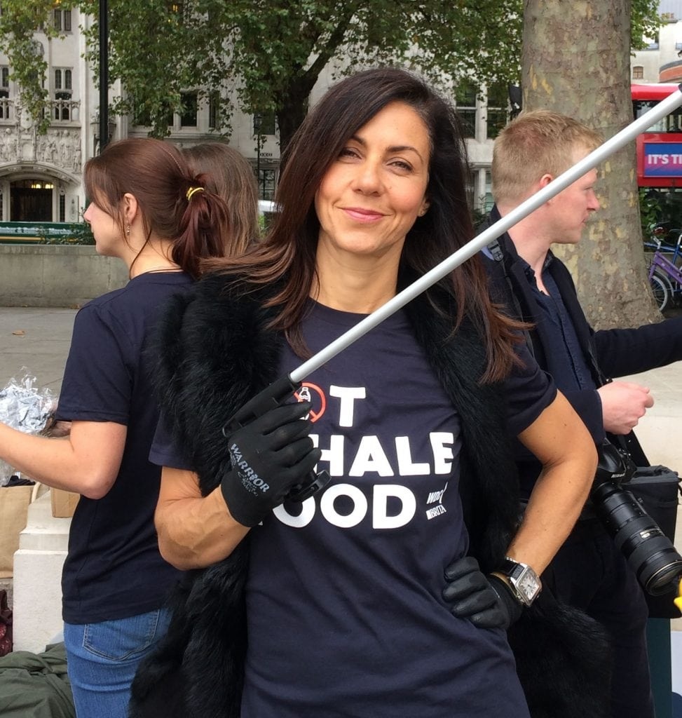 Plastic pollution is not whale food. Julia Bradbury at a urban beach clean